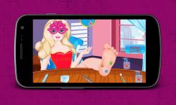 Super Barbie Foot Injured screenshot 4/4