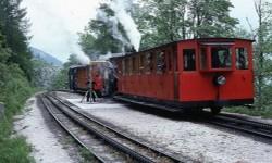 Take Pics from train screenshot 2/3